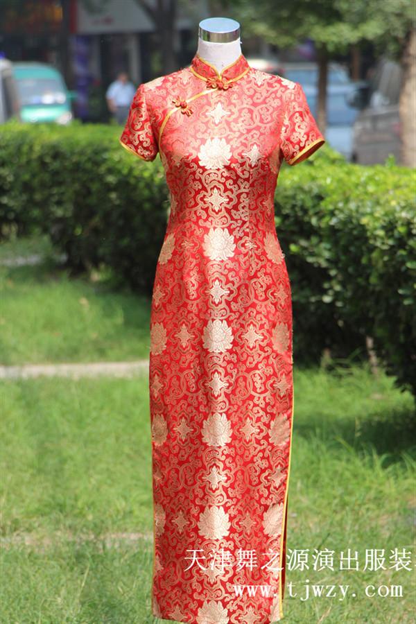 红色富贵花礼仪长旗袍