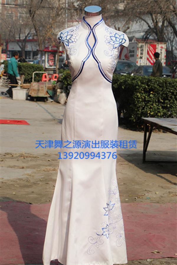 白色青花瓷旗袍