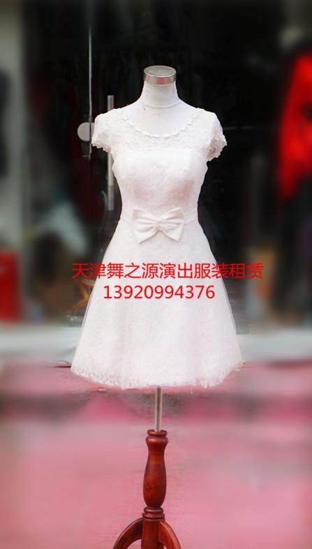 白色蕾丝短礼服出租